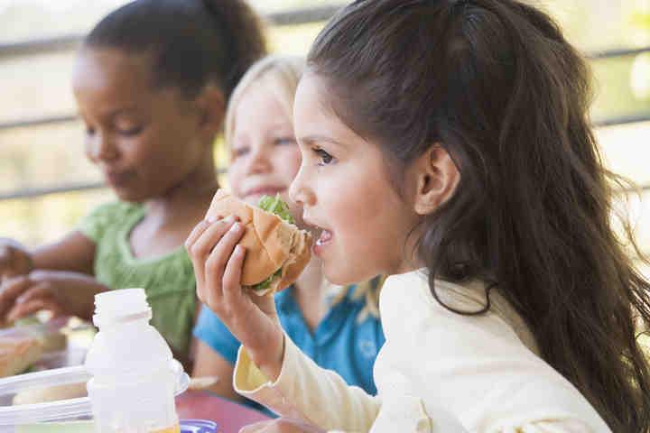 Mense scolastiche: i controlli dei Nas tutelano la salute dei bambini