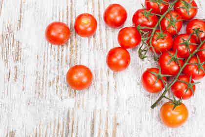 Marco Bianchi consiglia insalata di borlotti, pomodori e feta