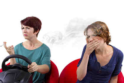 Il fumo passivo aumenta il rischio di un ictus cerebrale