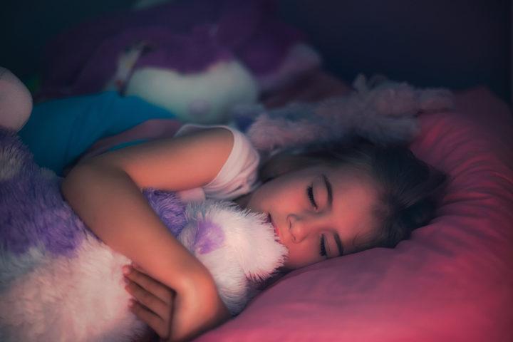 Gli adolescenti? «Dovrebbero dormire 8-10 ore per notte»