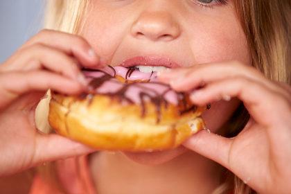 Troppo zucchero danneggia il fegato dei bambini