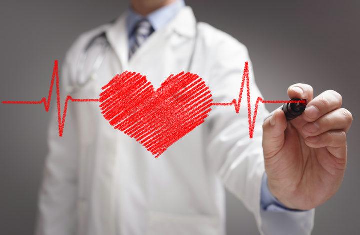 Un esame della troponina nel sangue può predire un infarto futuro?