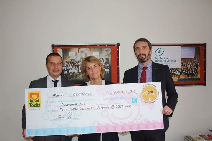 Trentamila euro da Todis a sostegno di Gold for Kids