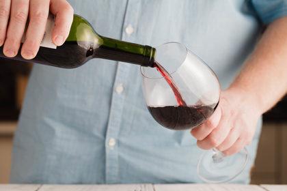 Alcol: in Italia aumentano i consumi, soprattutto fuori pasto