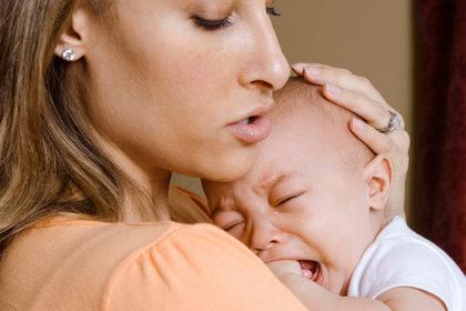 Così dal pianto del neonato si capisce se ha le coliche