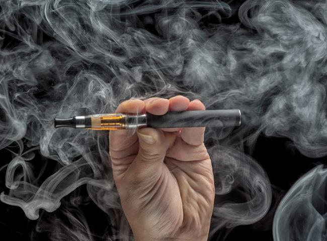 Sigarette elettroniche: le usano 1,3 milioni di italiani. Ma non sono innocue