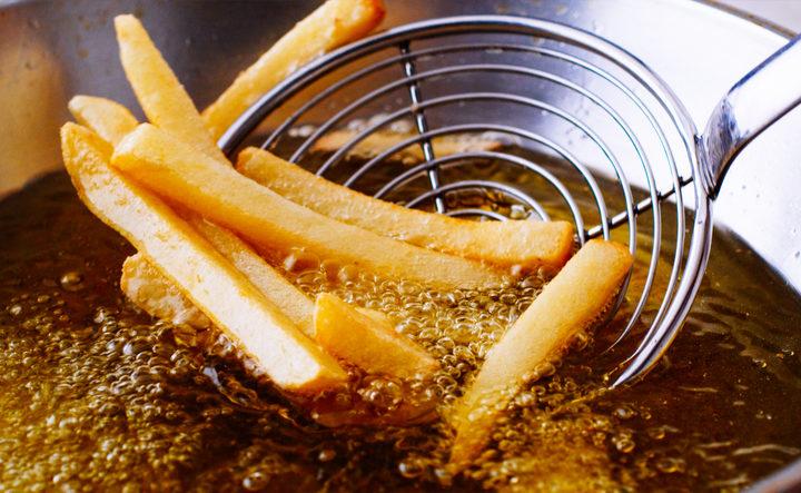 Con quale olio conviene friggere?