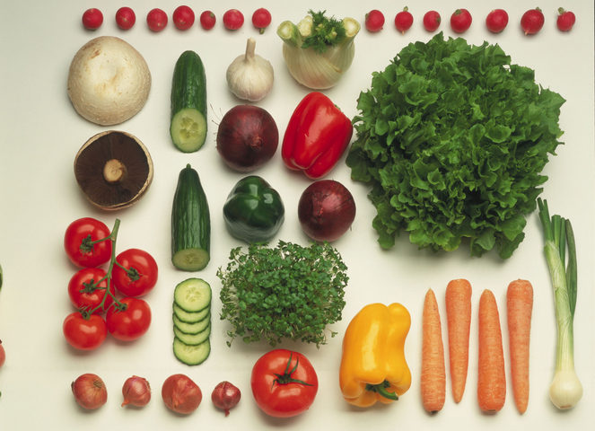 Mangiare frutta e verdura porta felicità