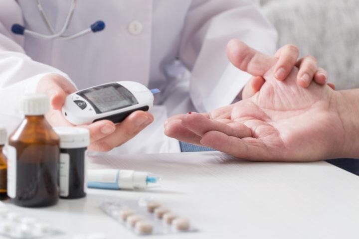 Ho il diabete e mi è stato consigliato di smettere di fumare: perché?