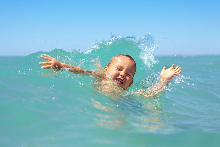 Ecco come soccorrere una persona che rischia di annegare