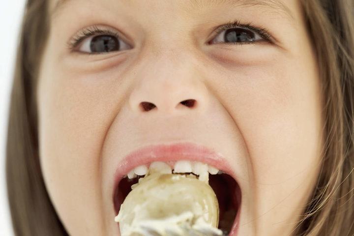 Così si evita il soffocamento da cibo nei bambini