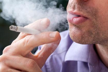 Si può fumare mentre si assume la terapia nicotinica?