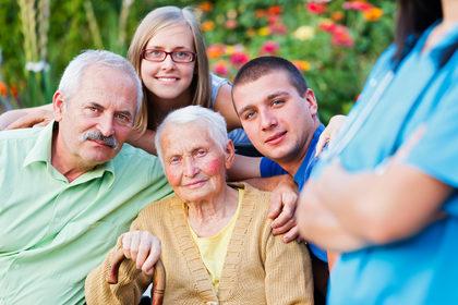 Le comunità «amiche» della demenza per superare lo stigma dell'Alzheimer