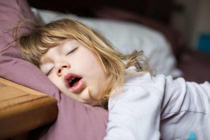Quasi un bambino su tre ha un disturbo del sonno