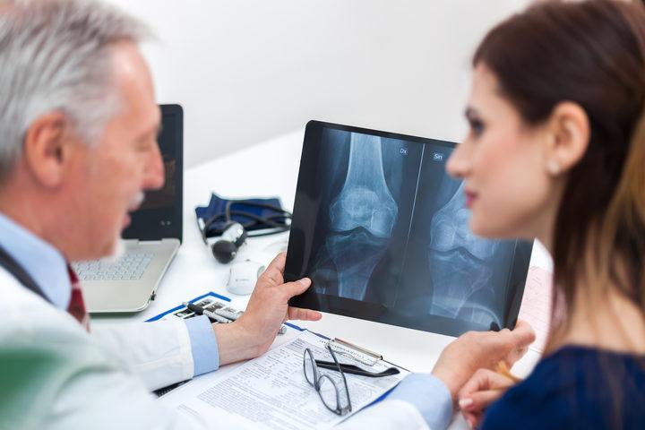 Perché con la menopausa aumenta il rischio di avere l'osteoporosi?