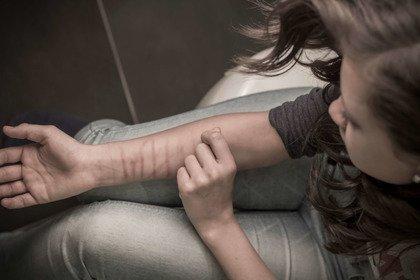 Autolesionismo: farsi male per lenire un dolore