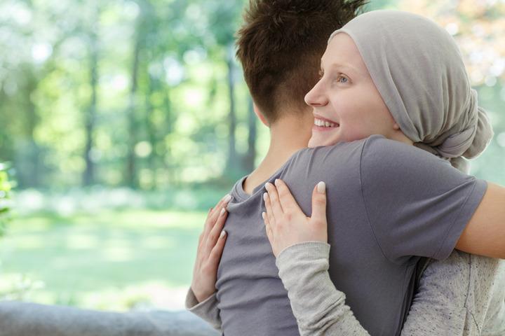 Tumore al seno: oggi si cura sempre meno con la chemioterapia