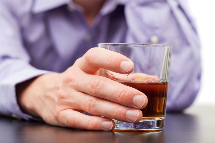 La vareniclina testata anche contro l'alcolismo