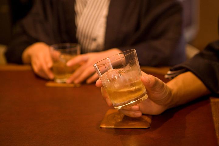 Anche il consumo moderato di alcol accorcia la vita