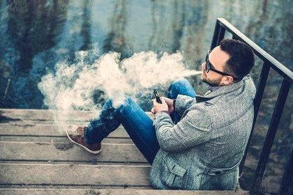 La sigaretta elettronica pone problemi di fumo passivo?