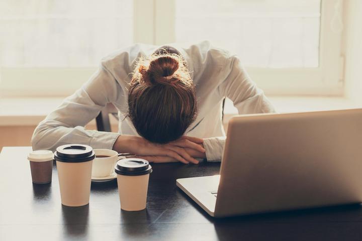 Dormire più a lungo protegge dalla depressione?