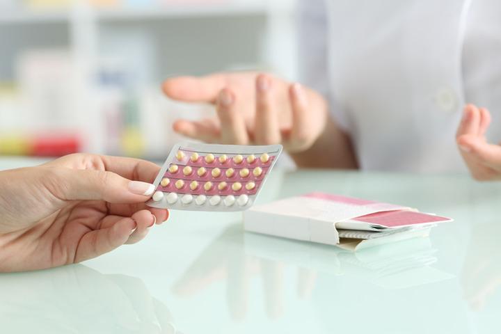 La pillola anticoncezionale aumenta il rischio di cancro?
