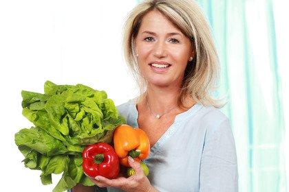 Così la dieta può «condizionare» l'inizio della menopausa