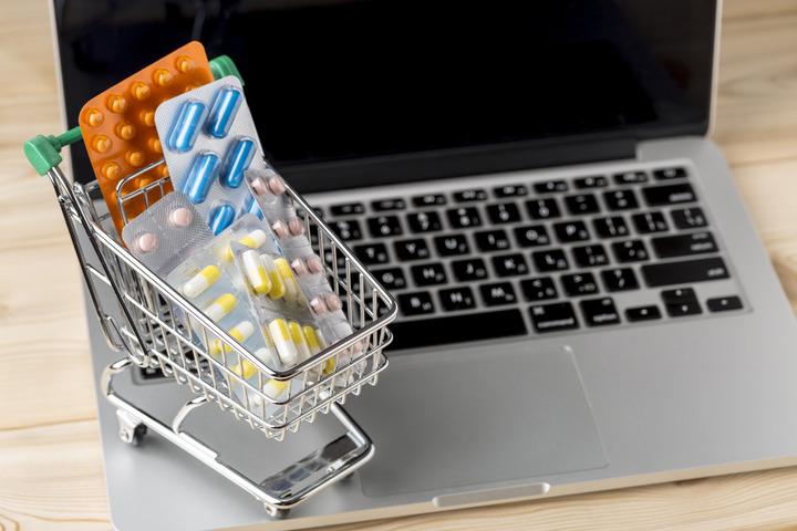 Dieci consigli per non acquistare farmaci contraffatti