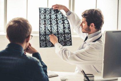 Tumore al testicolo: l'importanza di tenersi sempre sotto controllo
