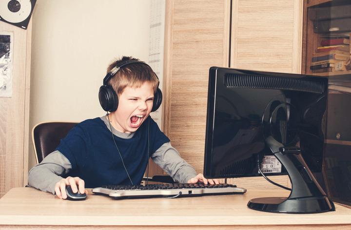 I giochi su internet possono «spingere» a pensare al suicidio