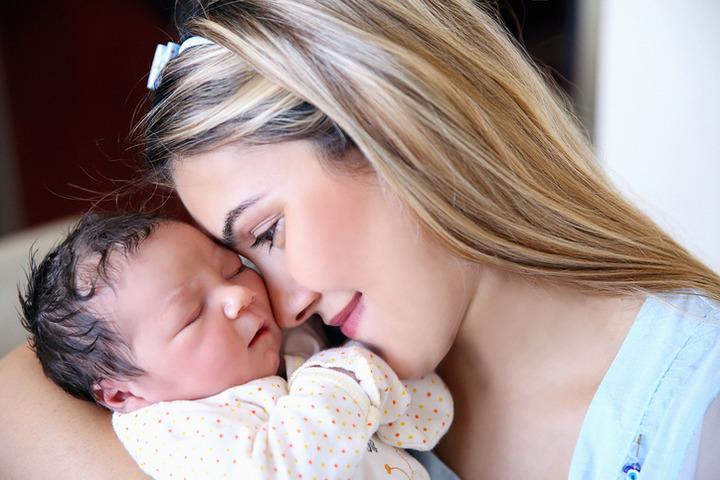 Indurre un parto per ridurre i cesarei? Non è una buona soluzione