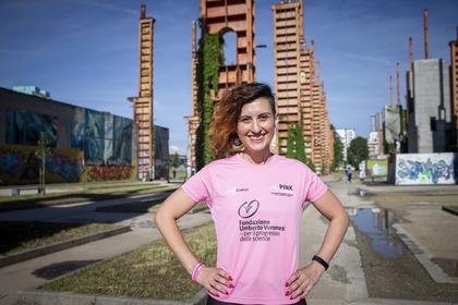 «Corriamo per dire alle donne che il tumore al seno si può battere»