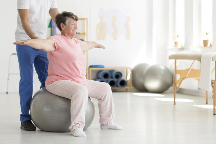 La ginnastica in ospedale migliora la salute degli anziani