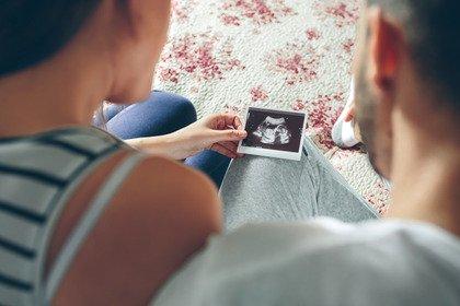 La stimolazione ovarica con gonadotropine aumenta il rischio di cancro?