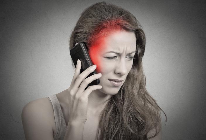 Tumori cerebrali: nuova «assoluzione» per i cellulari