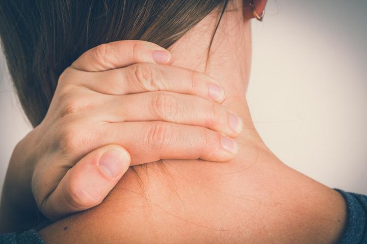La rigidità del collo è sempre il primo segno della meningite?