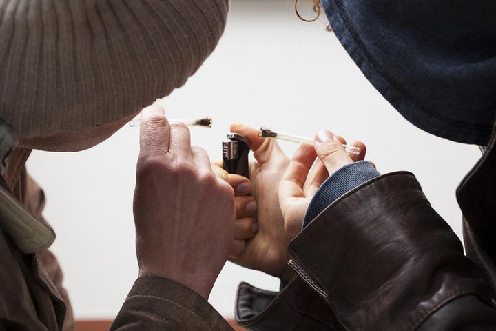 Cannabis sempre più potente: rischi più alti per gli adolescenti?