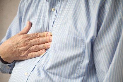 Assumo inibitori di pompa protonica: quali rischi per la mia salute?