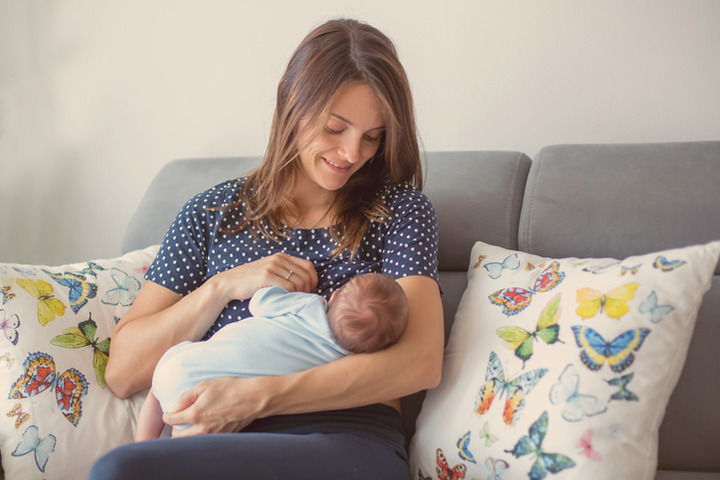 Marijuana: no durante l'allattamento (e la gravidanza)