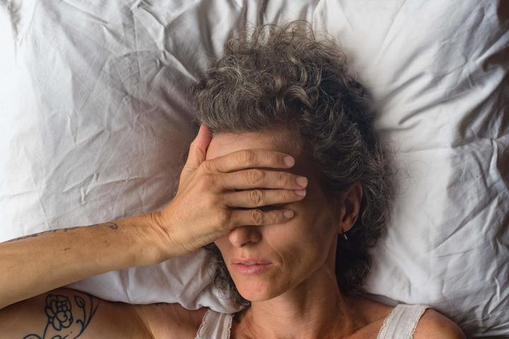 Ciò che provoca dolore alle armi durante il sonno, poi,...