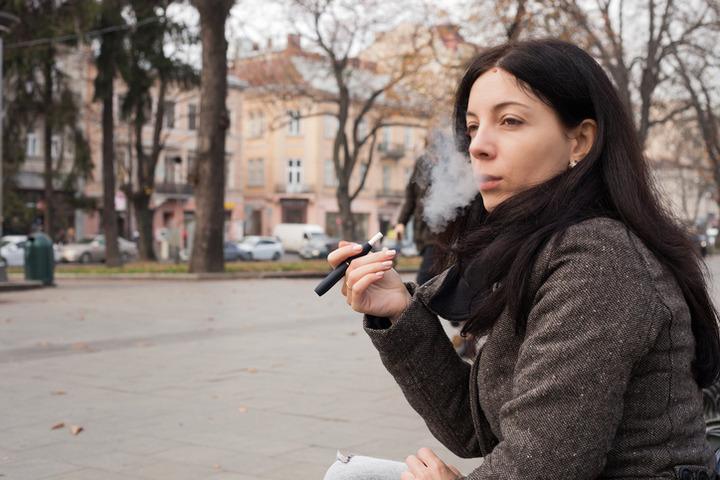 Le IQOS potrebbero essere dannose quanto le sigarette tradizionali