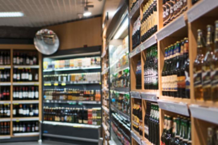 Alcol: consumi stabili e prevenzione lontana
