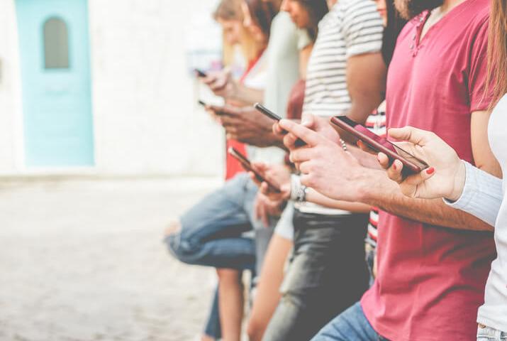Smartphone e adolescenti: come evitare la dipendenza?