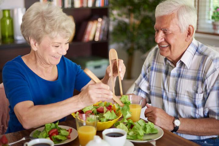 Invecchiamento: ci sono diete «protettive»?