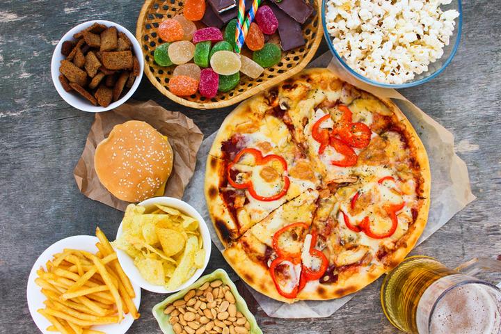 Quali rischi per la salute se si segue una dieta «occidentale»?