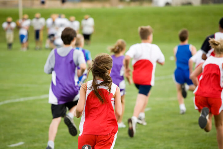 Adolescenti: per 8 su 10 essere sedentari è una regola