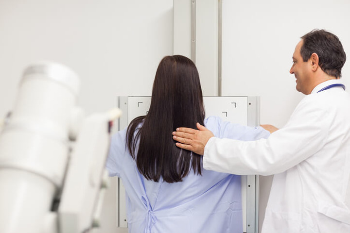 Tumore al seno: ecografia e mammografia a confronto
