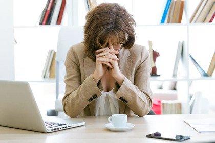 Emicrania: crisi più frequenti con 3 (o più) tazzine di caffè al giorno