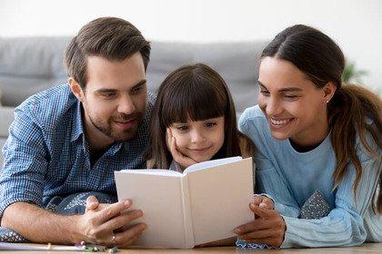 Più empatia tra genitori e bambini se si legge un libro «vero»