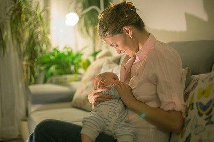 Sclerosi multipla: la malattia «sfuma» con l'allattamento al seno